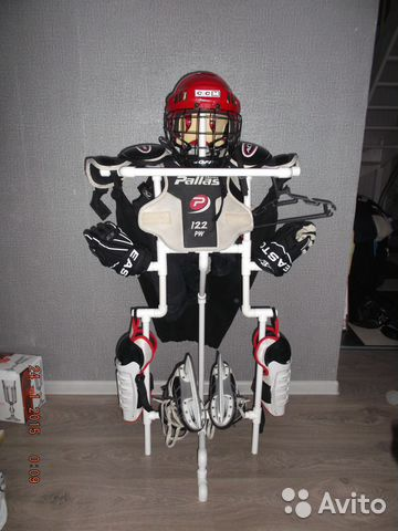 Хоккейную вешалку