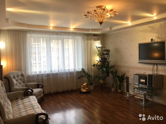 Продается четырехкомнатная квартира за 4 060 000 рублей. Челябинск, Комсомольский проспект, 15.