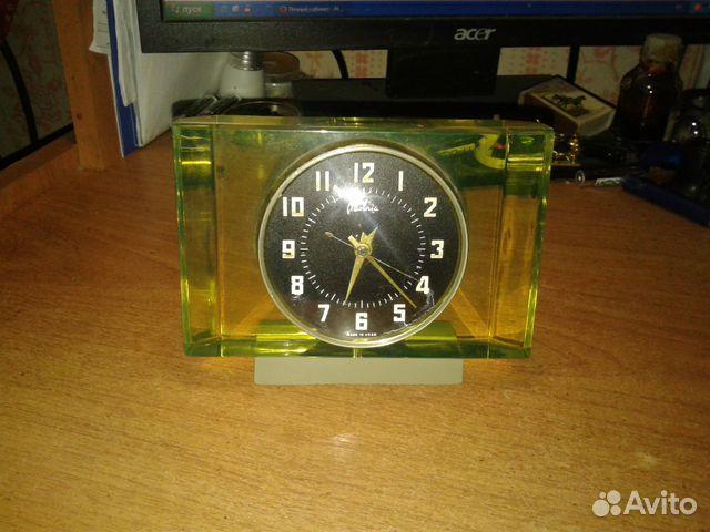 Часы настольные продам молния человека часа стоимости формула