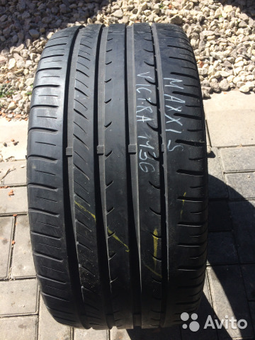 89211101675 ZR18 245/40 Maxxis Victra M36