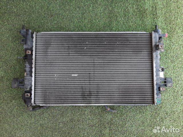 Радиатор охлаждения Opel Astra H универсал Z1.6XE1