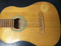 Гитара старая